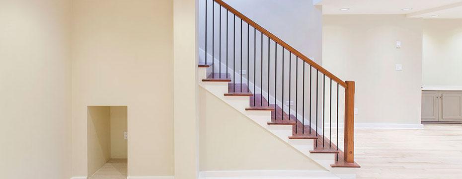 Inomhusfärg för möbler, snickerier och trävård